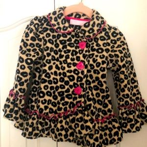Leopard print coat with pink heart buttons